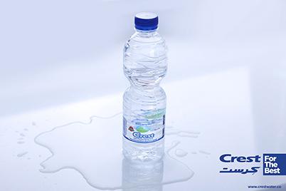 عکاسی محصولات از آب معدنی کرست